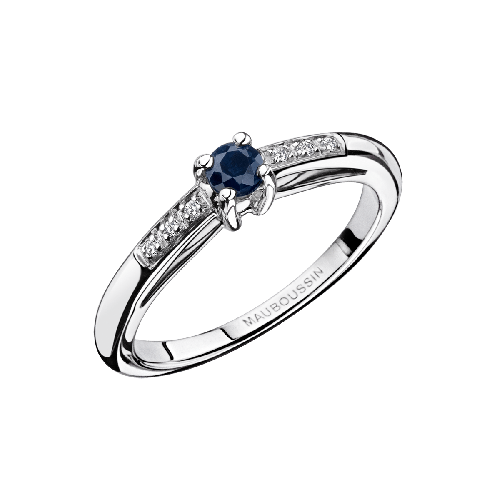 Petit Mot d'Amour engagement ring